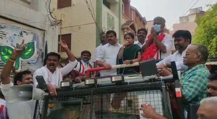 பேத்தியுடன் தேர்தல் பரப்புரையில் ஈடுபட்ட அமைச்சர் வெல்லமண்டி நடராஜன் மீது வழக்கு பதிவு